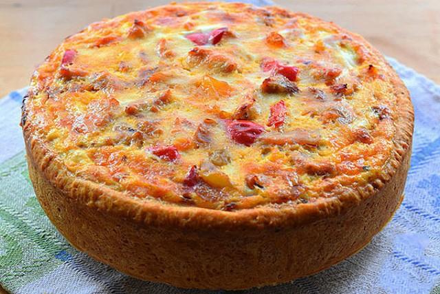 Сочный, нежный и ароматный пирог со сладким перцем и курицей.