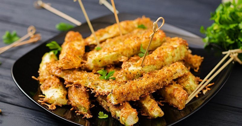 zucchini-slices-baked-under-cheese-breading