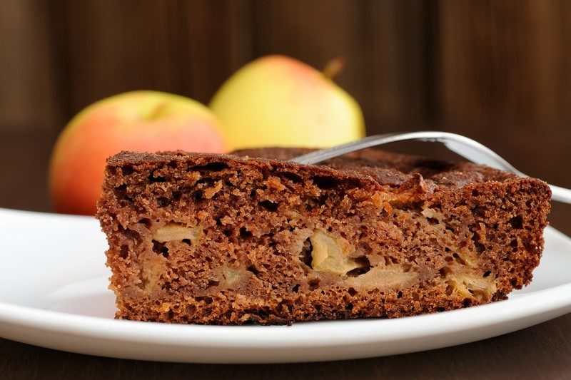 piece-of-chocolate-apple-cake-and-apples