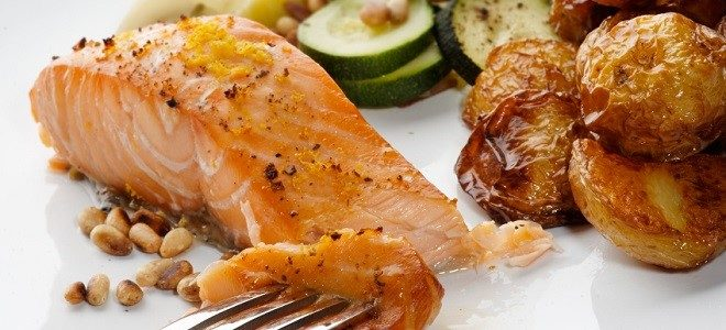 salmon-fillet-with-pine-nuts-3