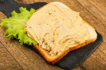 sandwich-with-hummus-3