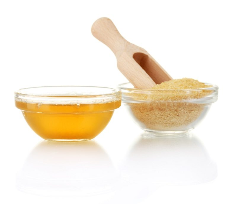 gelatin-in-a-bowl-and-wooden-spoon-isolated-on-white-background-close-up-3