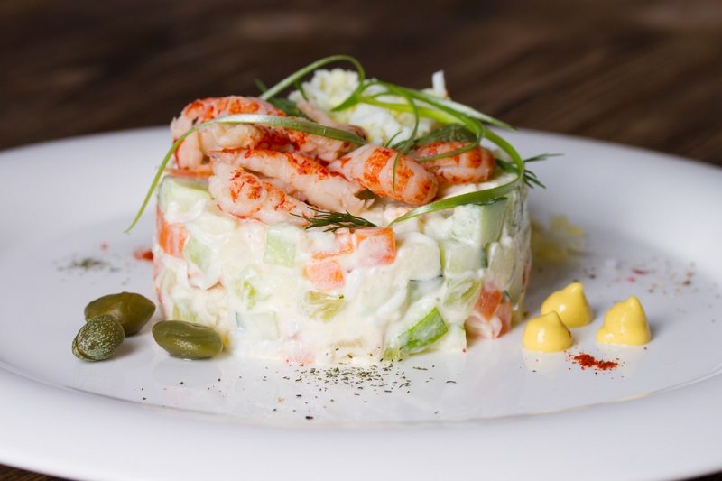 russian-salad-with-shrimp-2