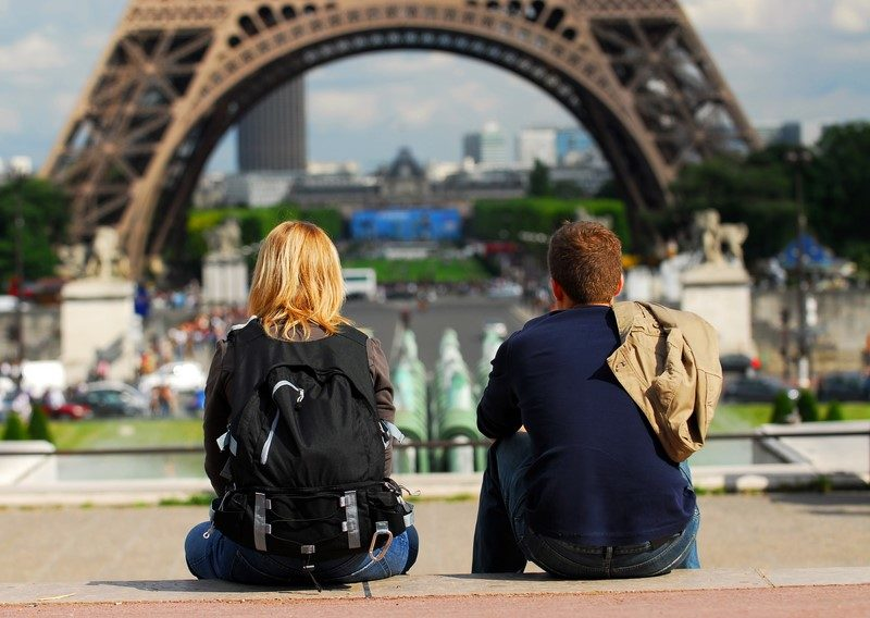 tourists-in-france-3
